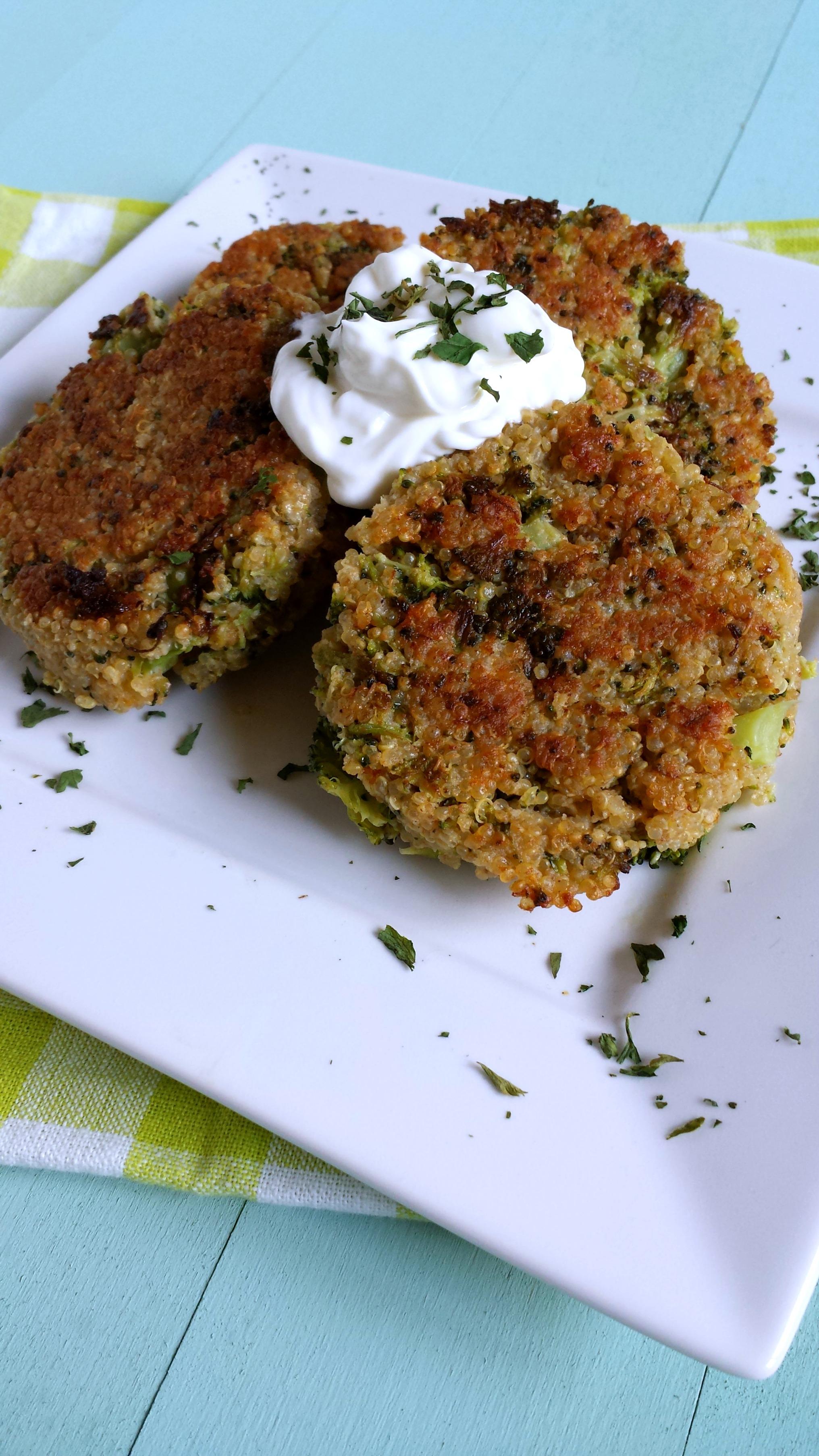 Cheesy Quinoa Cakes Recipe