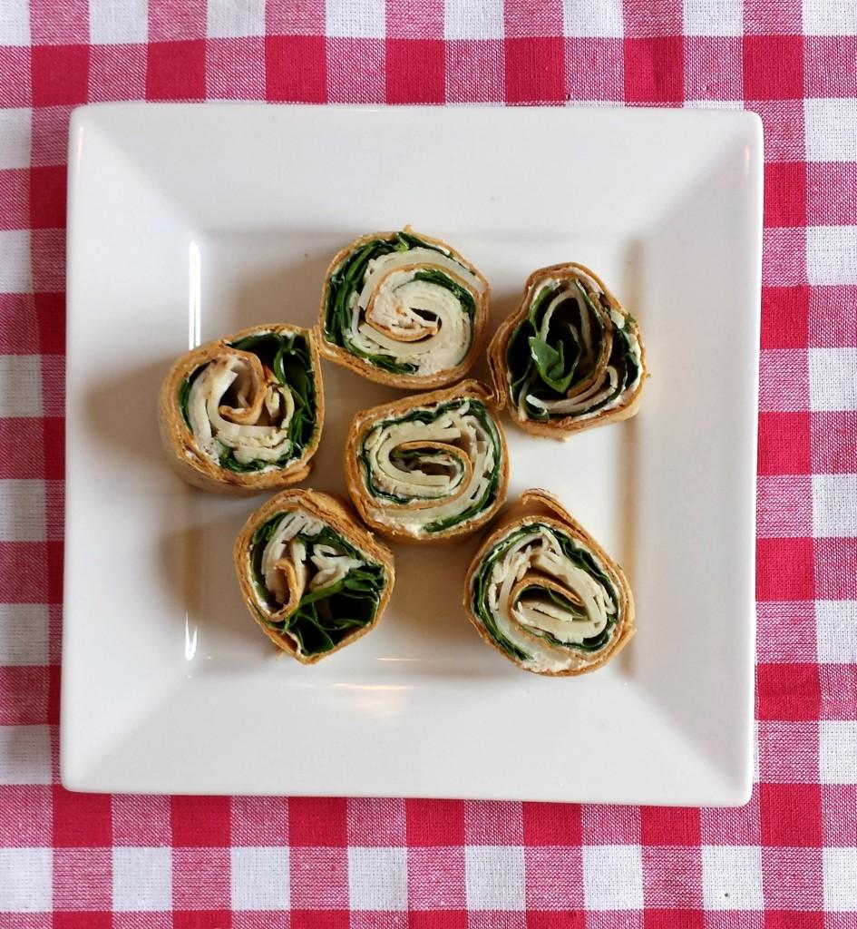 Turkey Pinwheels 11 945x1024 Turkey & Spinach Pinwheels