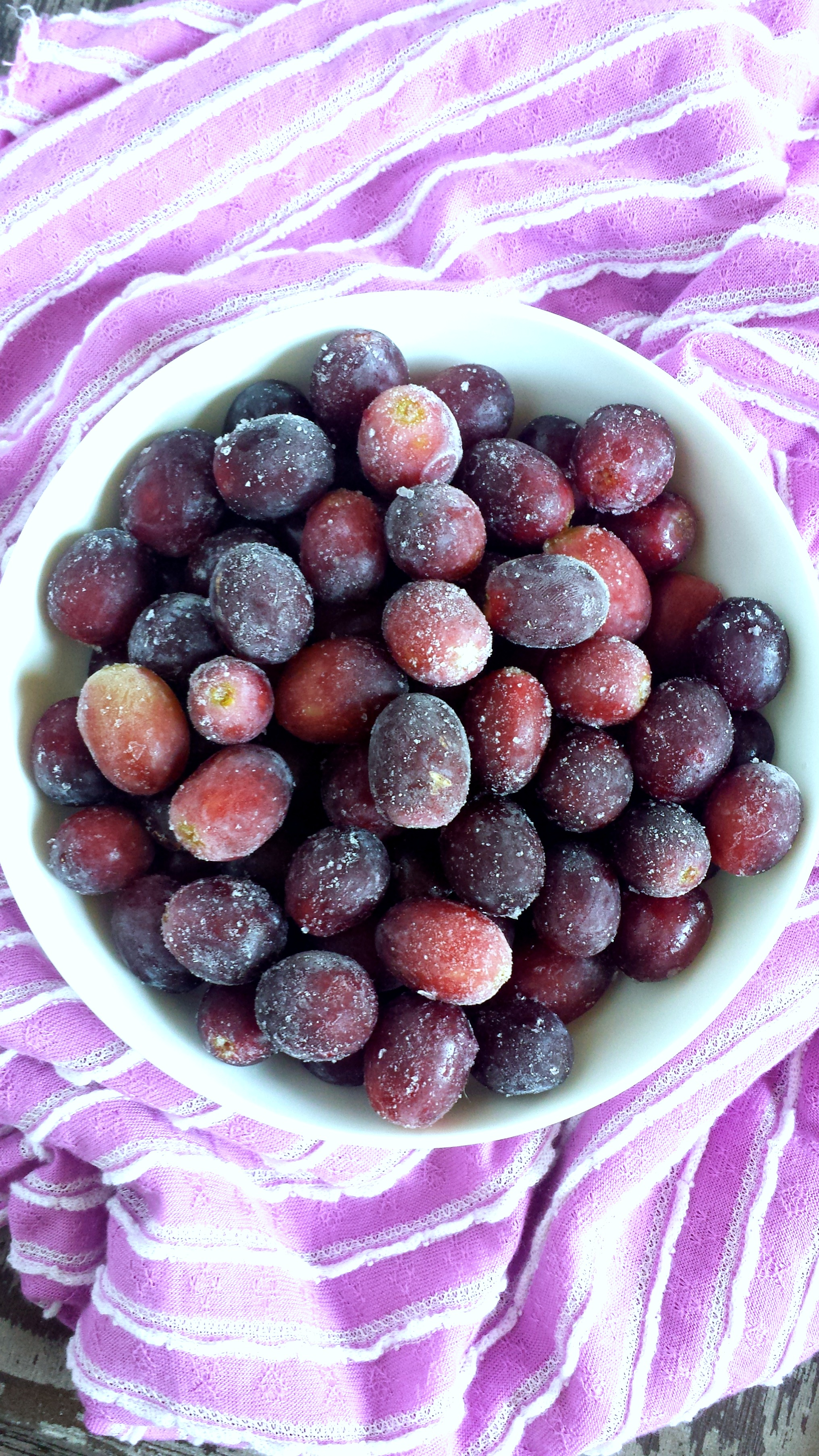 Frozen Red Grapes 1