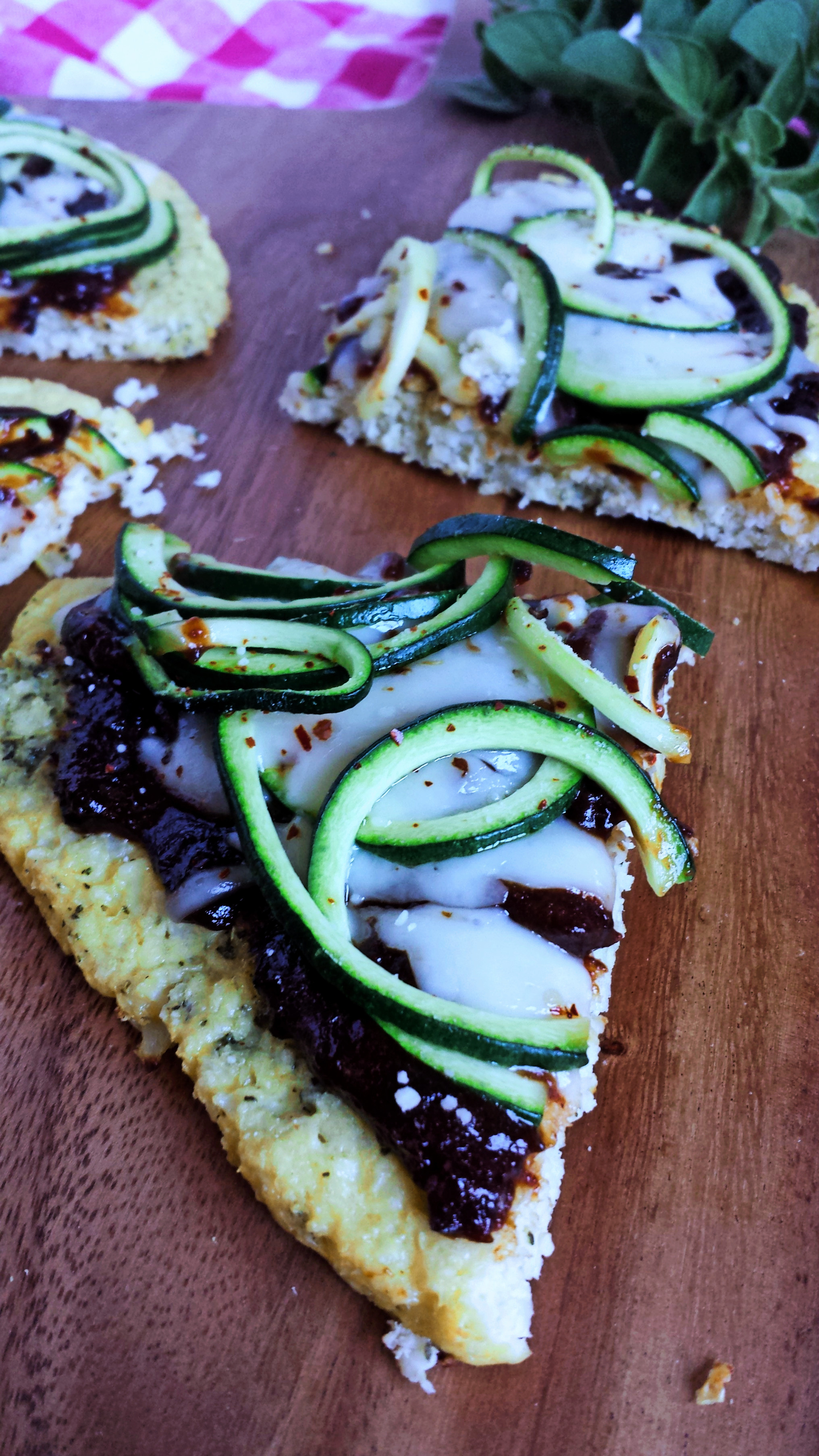 Plum BBQ Zoodle Pizza with Cauliflower Crust 6 polarr