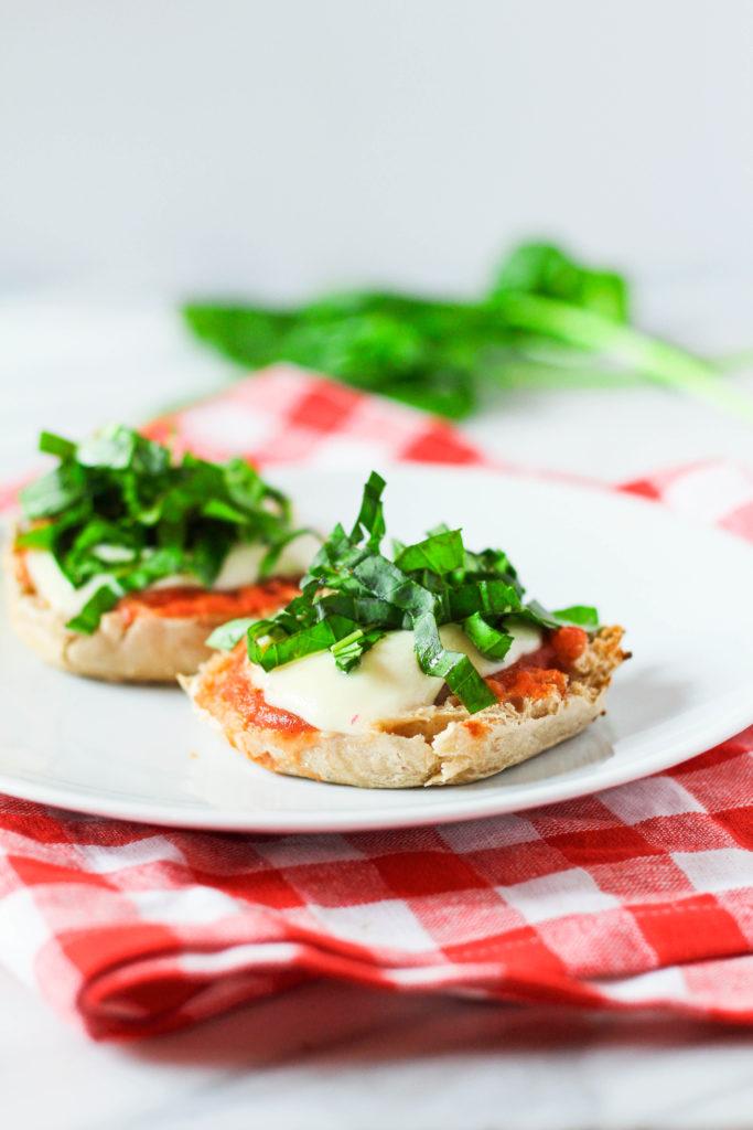 Mozzarella & Basil Breakfast Pizza | Healthy breakfast recipe | Breakfast idea | Basil | Tomato sauce | Fresh mozzarella