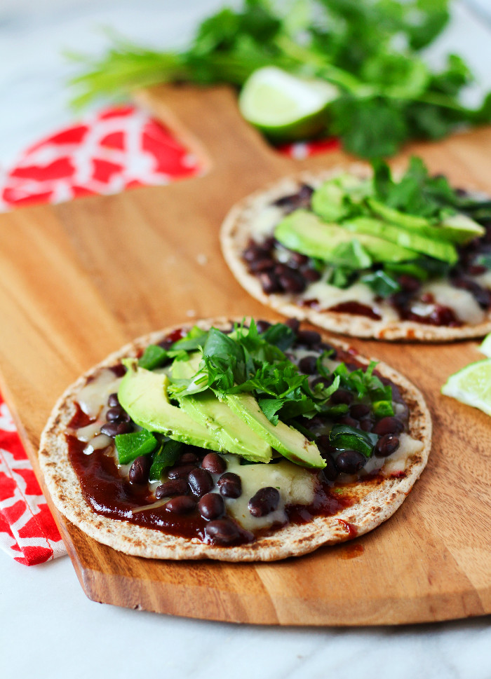 Black Bean and Roasted Poblano Rodeo Pizza | Zen & Spice