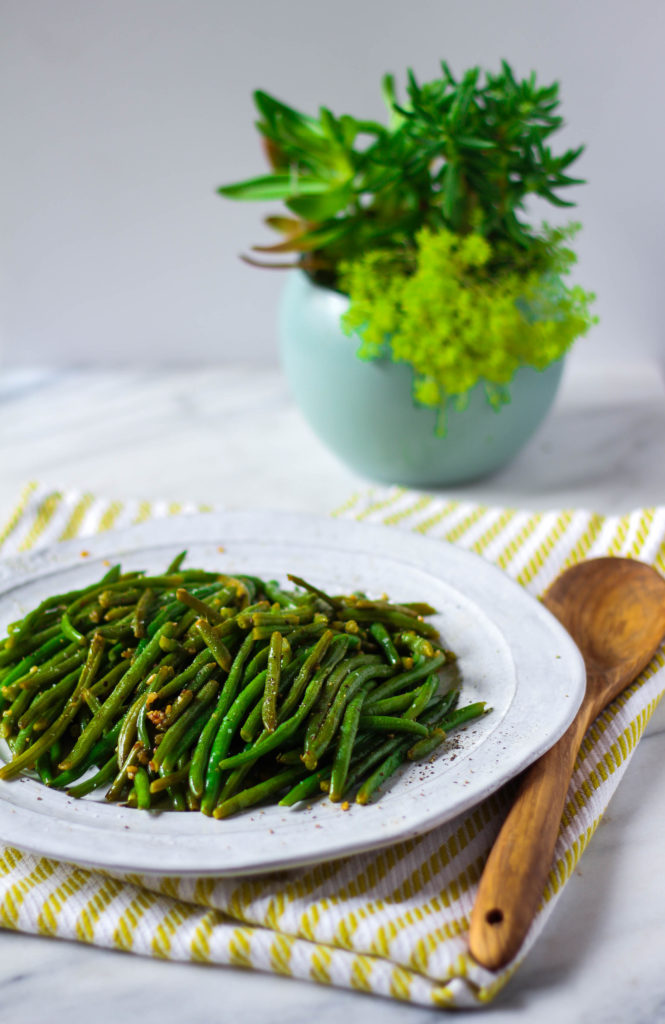 How To Make: Sauteed Garlic Green Beans | Zen & Spice