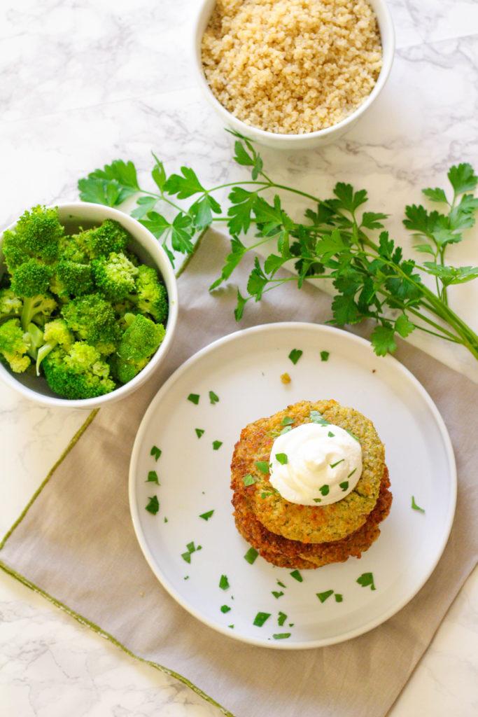 Cheesy Quinoa & Broccoli Cakes | Zen & Spice