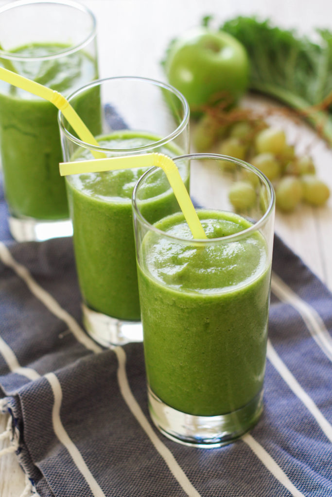 Super Greens Smoothie | Fruit and Veggie Smoothie | Pineapple | Green Apple | Kale | Spinach | Cucumber |
