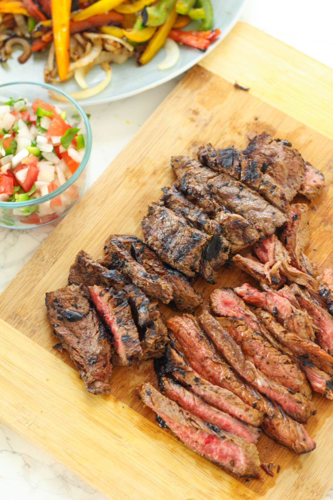 Chipotle Flank Steak Fajitas | Beef fajitas | Pepper fajitas | Spicy fajita recipe | Healthy fajita recipe