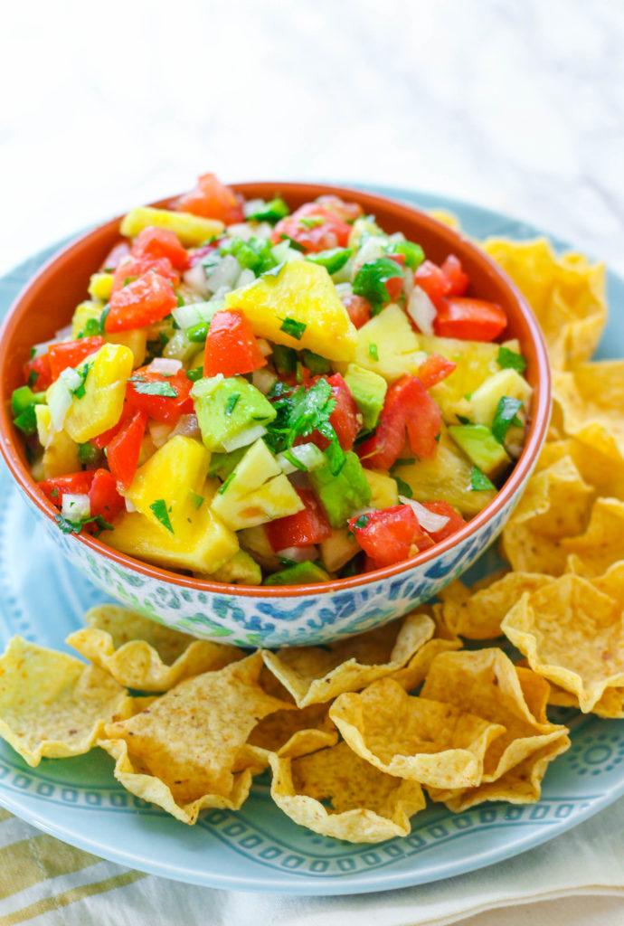 Pineapple Avocado Salsa   Pineapple salsa   Healthy salsa recipe   Summer salsa recipe   Summer recipe   Barbecue recipe   Cookout recipe