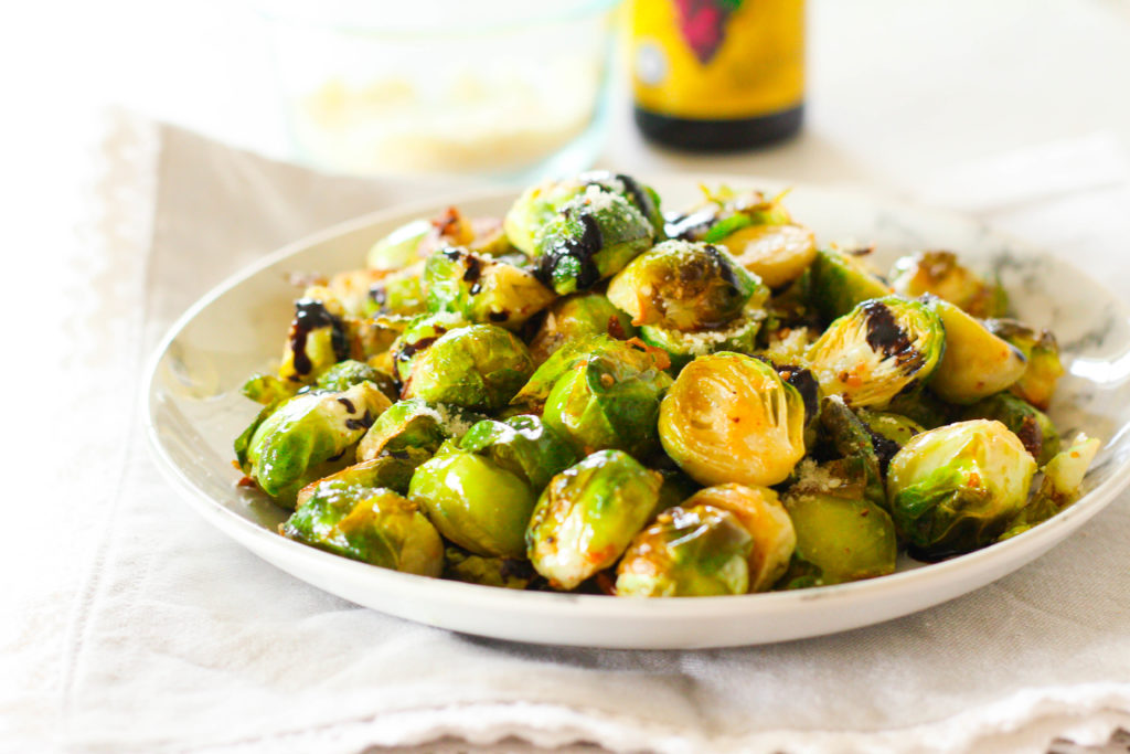 Parmesan Balsamic Roasted Brussels Sprouts| Roasted brussels sprouts | Dinner side dish | Vegetable side dish