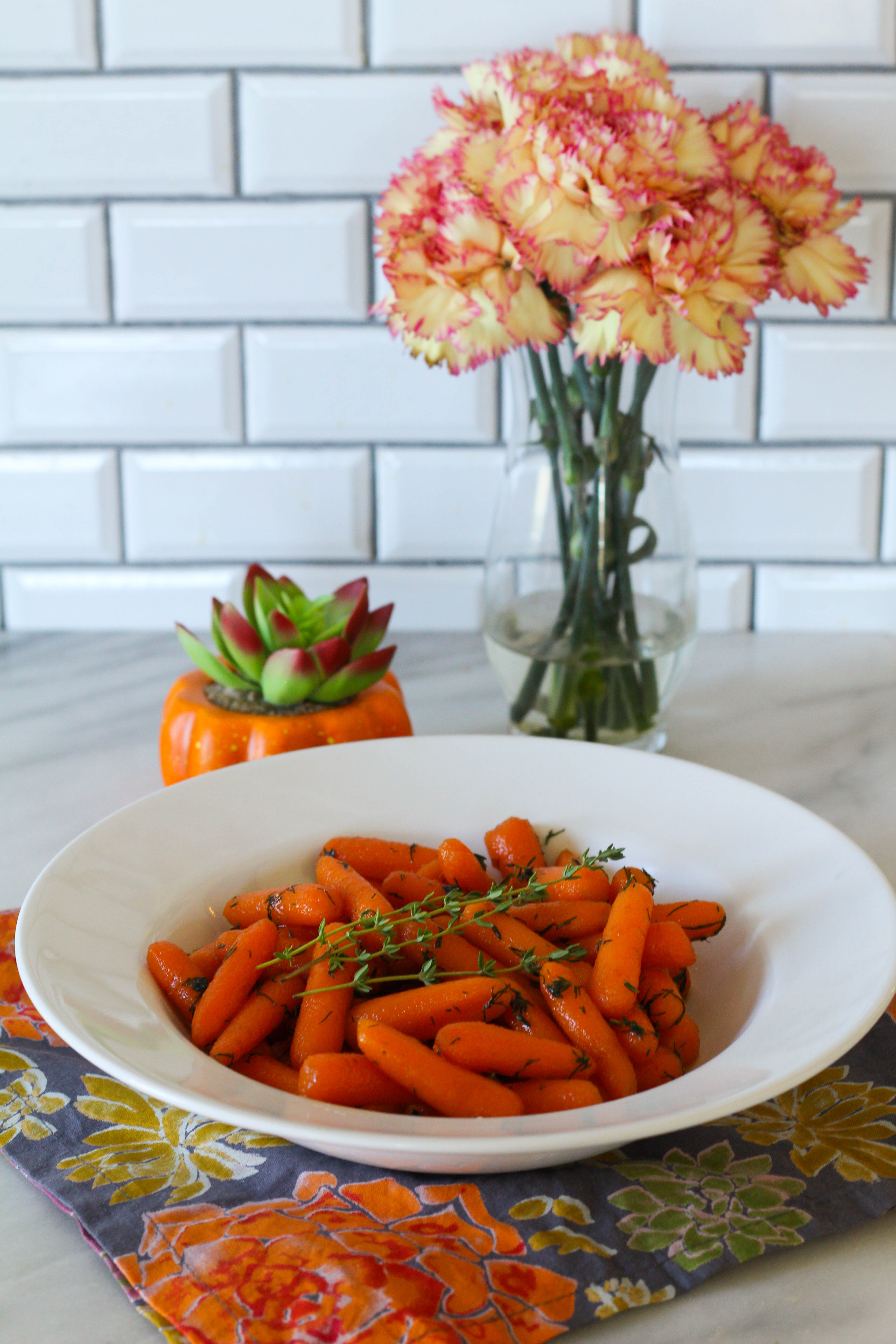 Instant Pot Carrots with Honey Herb Butter Glaze | Instant Pot Recipes | Thanksgiving Recipes | Veggie side dish recipe | Carrots