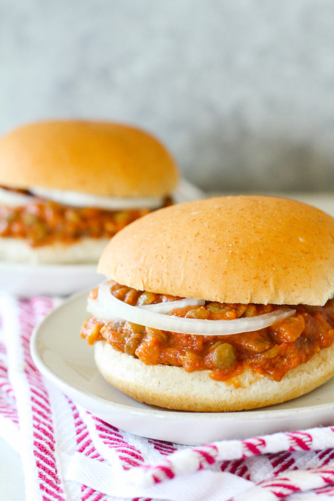 A plant-based twist on a comfort food classic! Try these lentil sloppy joes and get a hearty fill of fiber and protein. Seasoned with chili powder and smoked paprika.